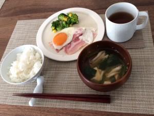 かわ重・テーブルウェア・朝食